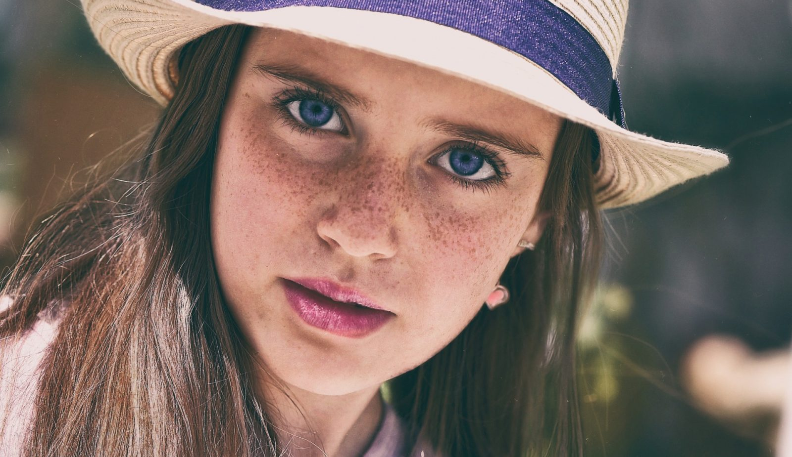 Safe Ways to Get That Freckled Look